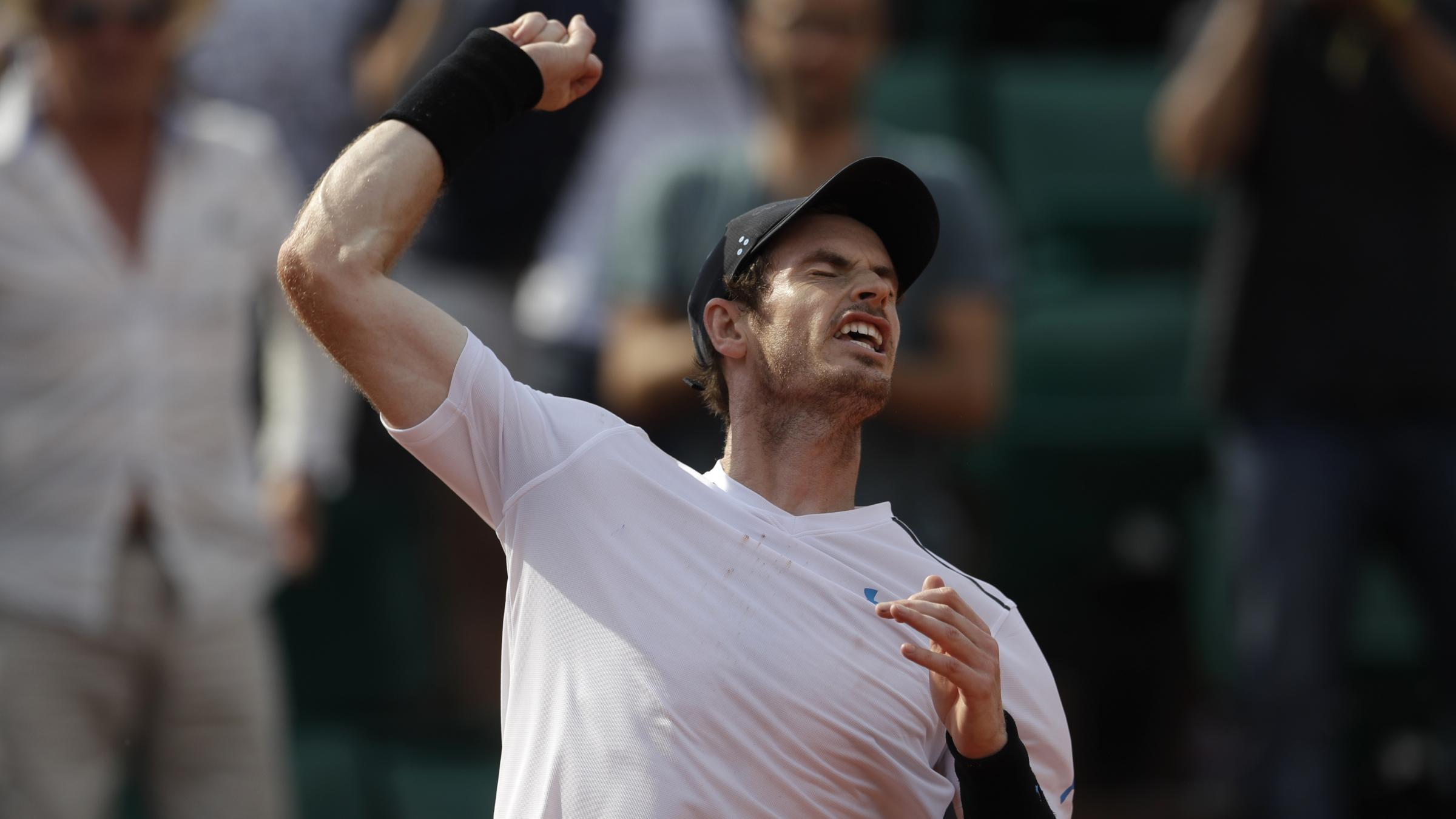 Murray, Wawrinka, Pliskova in action at French Open