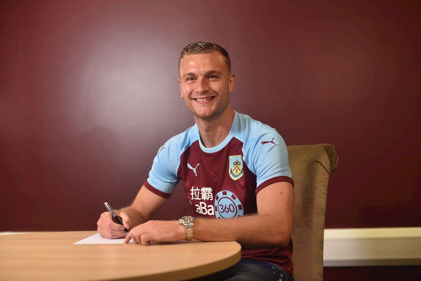 Burnley sign Gibson for joint record fee, move in on Hart