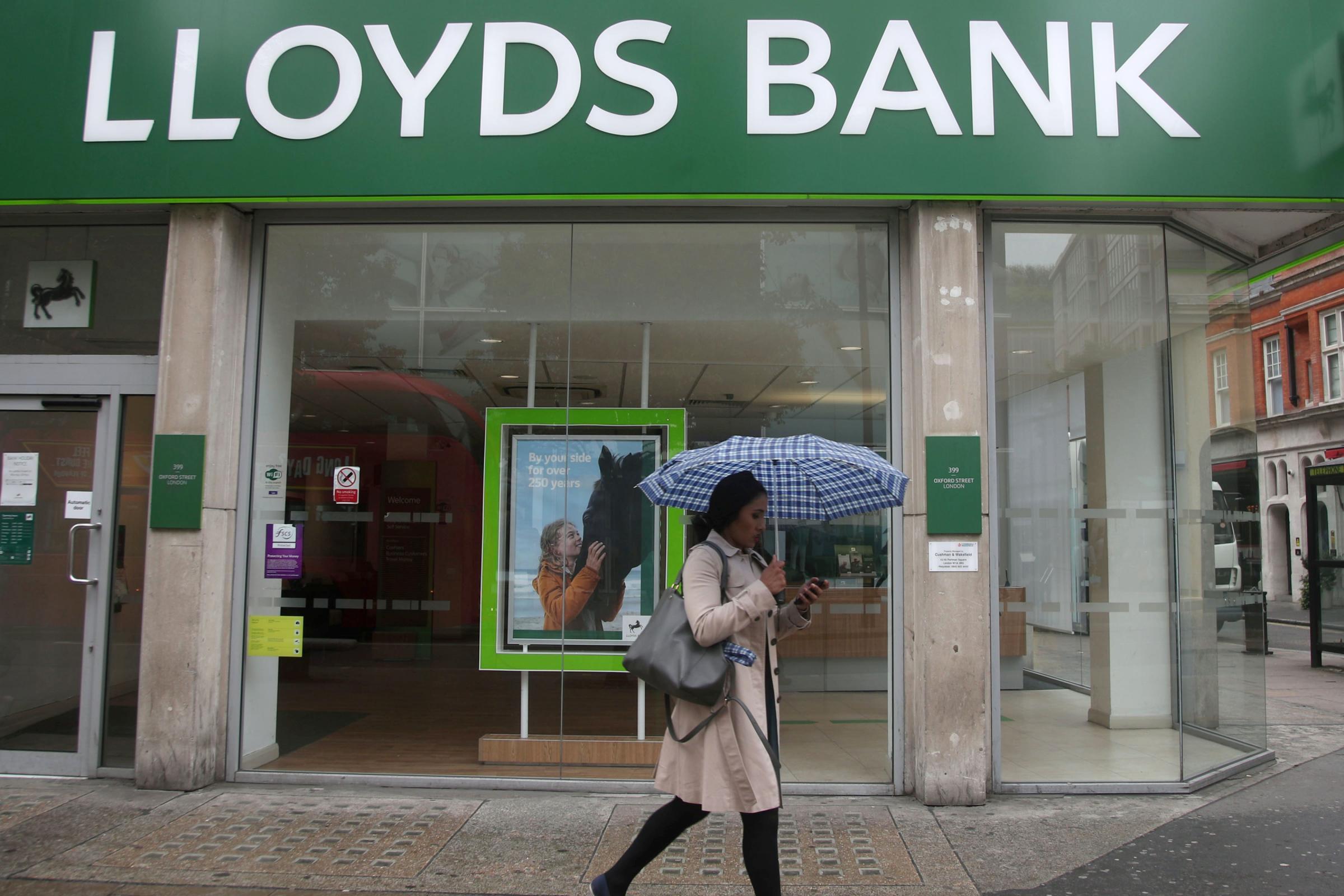 Lloyds' digital overhaul puts thousands of jobs at risk